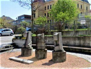 An ihn und sein Tun im Dienste an der Menschheit erinnert heute der Dr. Josef Sora-Platz in Melk. Foto: oepb