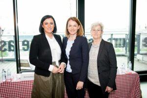 Im Bild von links: Landwirtschaftsministerin Elisabeth Köstinger, Simone Schmiedtbauer, sowie EU-Abgeordnete a.D. Agnes Schierhuber. Foto: Paul Gruber