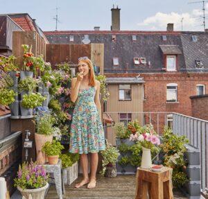 Einfach in die Höhe Garteln: Auch auf kleinsten Flächen können Gartenträume wahr werden – mit eigenen Kräutern, Gemüse und Zierpflanzen. Foto: GARDENA
