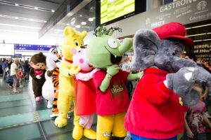 Die bereits dritte ÖBB-Maskottchenparade steigt am 24. Mai 2019 am Wiener Hauptbahnhof. Foto: BahnhofCity Wien Hauptbahnhof
