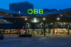 Der ÖBB-Schienenverkehr spart jährlich rd. 3,5 Mio. Tonnen CO2 im Kampf gegen Klimawandel. Foto: ÖBB / Fritscher