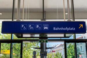 """Das ÖBB Carsharing-Angebot schließt somit quasi die """"letzte Meile"""" zwischen Bahnhof und dem eigentlichem Ziel. Foto: ÖBB / Fritscher"""