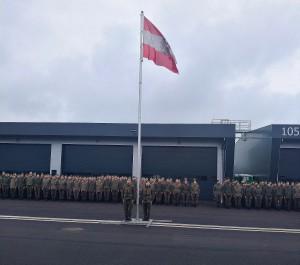 Zu den Klängen der Bundeshymne wurde die Österreichische Flagge gehisst. Foto: oepb