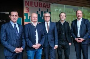 Im Bild von links: Tabakfabrik-Direktor Chris Müller, Vizebürgermeister Markus Hein, Bürgermeister Klaus Luger, Architekt Martin Zechner, Investor Thomas Bodner. Foto: Tabakfabrik Linz