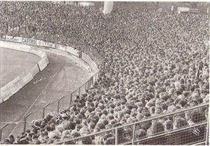 Egal ob LASK, oder der selige SK VÖEST Linz, das Linzer Stadion auf der Gugl war in den 1970er Jahren oftmals ausverkauft. Foto: oepb