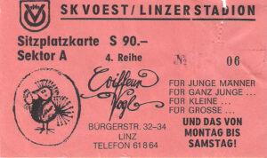 """Eine bei """"Bauchladen"""" erworbene Eintrittskarte für ein Heimspiel des SK VÖEST Linz aus der Saison 1979/80. Sammlung: oepb"""