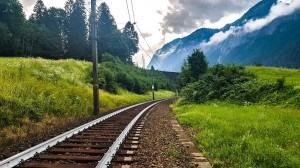 Coole Schienen! Die ÖBB färben ihre Schienen gegen die zu erwartende Hitze weiß ein. Foto: ÖBB / Christina Olsacher