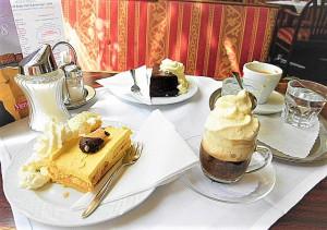 Hingehen, eintauchen, sitzen, plaudern, genießen – dies sind nach wie vor die triftigen Gründe, ein Wiener Kaffeehaus zu besuchen. Foto: oepb