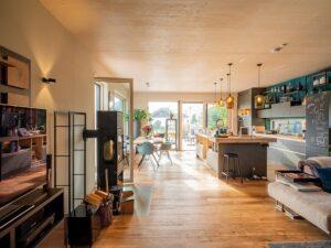 """Das Griffnerhaus """"Bungalow Bayern"""" punktet beim Hausbau Design Award 2019 mit Qualität und Design. Foto: Paul Pappitsch / Griffnerhaus"""