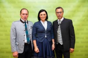 Im Bild von links: Landwirtschafts-Kammer Präsident Josef Moosbrugger, Bundesministerin a.D. Elisabeth Köstinger, sowie Bauernbund-Präsident Georg Strasser. Foto: Bauernbund