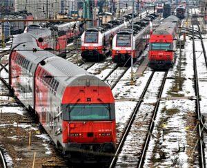 Die S-Bahn ist seit Jahren erfolgreich auf Schiene. Sie wird von den ÖBB sukzessive ausgebaut, um den künftigen Anforderungen der Pendlerinnen und Pendlern an einen modernen öffentlichen Verkehr gerecht zu werden. In der Ostregion liegt der Fokus dabei aktuell im Süden von Wien. Foto: ÖBB