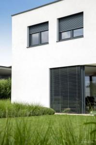 Dieses Sicherheitsgefühl wird von vielen Faktoren beeinflusst, dazu zählen auch Maßnahmen zum Schutz des Eigenheims. Foto: VALETTA