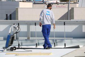 Umweltfreundlich, langlebig und robust, sowie international bewährt. Weltweit wurden bereits 300 Mio. m2 BMI EverGuard installiert. Foto: BMI
