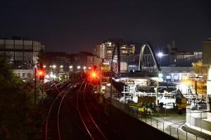 Nach dem reibungslosen Verschub der Brücke über die Breitenfurter Straße in der Nacht davor ...