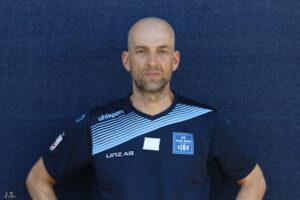 1860 München Geschäftsführer Sport Günther Gorenzel, am Foto 2017 noch in Diensten des FC Blau-Weiß Linz, ist ab sofort auf Trainersuche. Foto: Johann Schornsteiner
