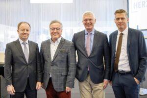 Im Bild von links: Dr. Michael Losch, LH-Stv. Dr. Heinrich Schellhorn, Konsul Mag. Eduard Mainoni & DI (FH) Alexander Kribus, MBA. Foto: © MZS / Habring