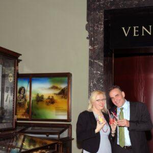 Karina Grömer und Andreas Hantschk führen durch die Ausstellungen. Foto: © NHM Wien / Alice Schumacher