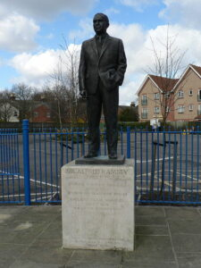 Die Statue von Sir Alf Ramsey in Ipswich. Foto: Self-made / Wikipedia