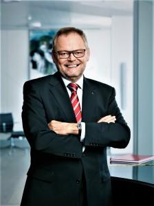 """Versicherungs-Spartensprecher Dr. Josef Stockinger rechnet mit 11.000 """"Sturmtief-Sabine""""-Schadensfällen in Oberösterreich. Foto: © OÖ-Versicherung"""
