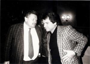 Mit dem Ableben im Jahre 1997 von LIVA Vorstandsdirektor Karl Gerbel (rechts) war es auch mit den Linzer Konzert- und Fußball-Großveranstaltungen vorbei. Links im Bild: UEFA-Manager Robert Tichy. Foto: © oepb