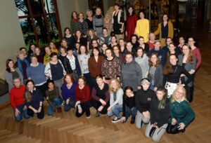 Eine geballte Ladung Weiblichkeit sorgt im Naturhistorischen Museum Wien vor und hinter den Kulissen für einen reibungslosen Museums-Betrieb. Foto: NHM Wien, Alice Schumacher