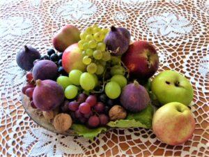 Damit wir uns im Spätsommer und Herbst wieder an diesen reifen Früchten aus heimischer Landwirtschaft erfreuen können, bedarf es JETZT des gemeinsamen ZUPACKENS, denn die Lebensmittel dürfen nicht am Feld verfaulen! Mehr dazu unter www.dieLebensmittelhelfer.at