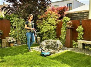 Komfortabel und federleicht – der neue Gardena Akku-Rasenmäher HandyMower Li-18/22 ist ideal für kleine Gärten ...