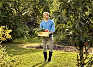 ... und Gärtner ein besonderes Interesse an einem nachhaltigen Umgang mit natürlichen Ressourcen. Beide Fotos: © GARDENA