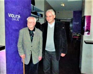 Norbert Lopper besucht mit seinem Sohn Pierre das Viola Pub und das FAK-Museum. So geschehen im November 2011. Foto: © oepb