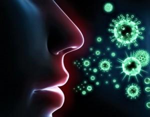 Nur wer den verordneten Mund- und Nasenschutz richtig trägt, kann sich vor Corona schützen. Immer mehr ist zu beobachten, dass sich die Menschen lediglich den Mund abdecken, die Nase jedoch frei bleibt. Ein guter Coronaschutz ist somit NICHT gewährleistet. Foto: heilpraxis