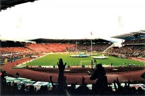 """8. Mai 1996, Europapokalfinale der Pokalsieger, Brüssel, Paris St.-Germain gegen SK RAPID Wien (1 : 0), Stade Roi Baudouin. Blick von der Tribüne 4, der einstigen Palast-Kurve, in der sich 11 Jahr zuvor das """"Massaker von Brüssel"""" ereignet hatte, ins Stadion. Foto: © oepb"""