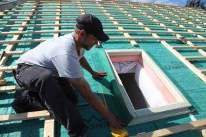Höchste Zeit also, entsprechende Wohn- und Bauprojekte in die Tat umzusetzen – so auch eine womöglich längst überfällige Dacherneuerung. Foto: © BMI Österreich