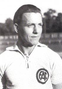 Der junge Robert Dienst im Dress des FAC am Beginn seiner großartigen Fußballer-Laufbahn. Foto: © oepb