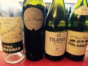 Ausländischer Wein hat derzeit ausgedient. Frau und Herr Österreicher greifen nun vermehrt auf gute und heimische Tröpferl zu. Foto: © oepb