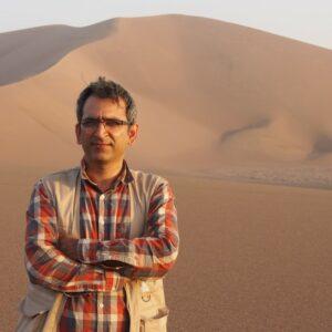 Der Insektenforscher Dr. Hossein Rajaei bei der Expedition in die Wüste Lut. Foto: © SMNS, H. Rajaei