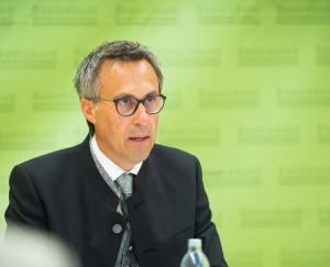 """Und Georg Strasser ergänzt: """"Wir können mit Ergebnis für Österreich zufrieden sein"""".  Foto: ©  Gruber"""