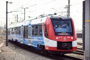 Leiser, umweltfreundlicher und bei den Fahrgästen beliebt ist der neue Wasserstoffzug der ÖBB.  Foto: © ÖBB / Marek Knopp